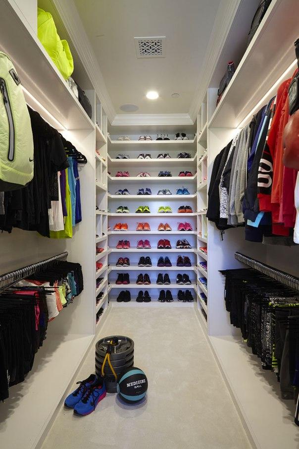 khloe-kardashian-closet-1